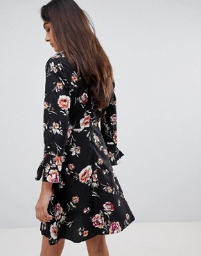 photo Rouleaux Loop and Button Detail Dress in Floral Print by Influence Tall, color Black - Image 2