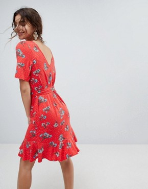 photo Tea Dress with V-Back and Frill Hem in Red Floral Print by ASOS, color Floral Print - Image 2