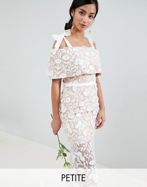 photo All Over Embroidered Lace Maxi Dress with Tie Shoulder Detail by Jarlo Petite, color White - Image 1