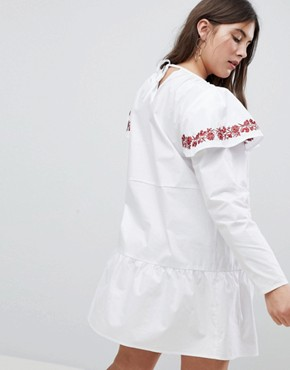 photo Embroidered Smock Dress with Exaggerated Sleeves by Fashion Union Plus, color White - Image 2