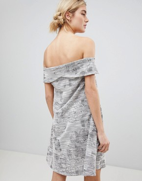 photo Off Shoulder Dress in Jacquard Mix by See U Soon, color Purple - Image 2