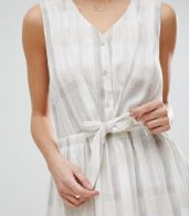photo Tie Waist Dress in Tonal Check by See U Soon, color Light Grey - Image 3