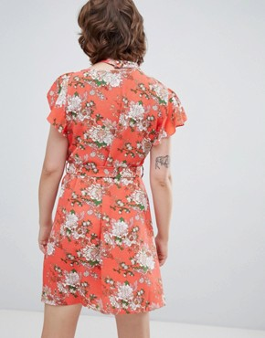photo Frill Front Floral Print Tea Dress by Walter Baker, color Pink - Image 2