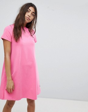 photo T-Shirt Dress by Noisy May, color Pink - Image 1