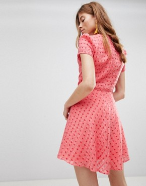 photo Mini Tea Dress with Tie Waist in Ditsy Rose by Glamorous, color Coral Rosebud - Image 2