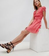 photo Mini Tea Dress with Tie Waist in Ditsy Rose by Glamorous, color Coral Rosebud - Image 4
