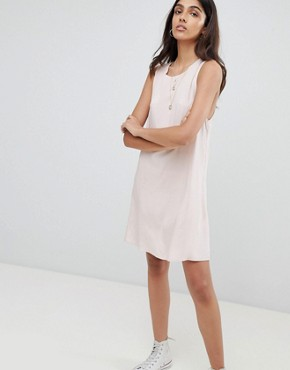 photo Sleeveless Shift Dress with Tie Back by Glamorous Tall, color Pink - Image 4