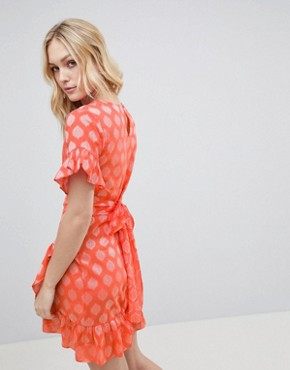 photo Mini Dress with Asymmetrical Frill Hem and Tie Waist in Jacquard by Glamorous Tall, color Light Coral Damask - Image 2