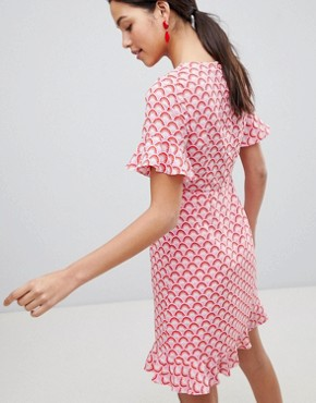 photo Frill Hem Printed Midi Dress by Traffic People, color Red - Image 2