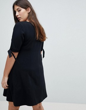 photo Skater Dress with Bow Sleeve by ASOS CURVE, color Black - Image 2