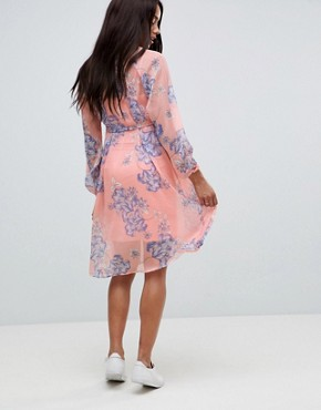 photo Bloom Print Woven Tea Dress by Mama.licious, color Pink - Image 2