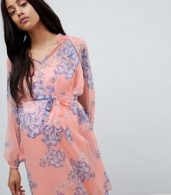 photo Bloom Print Woven Tea Dress by Mama.licious, color Pink - Image 3
