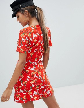 photo Floral Ruffle Hem Tea Dress by Missguided, color Red - Image 2