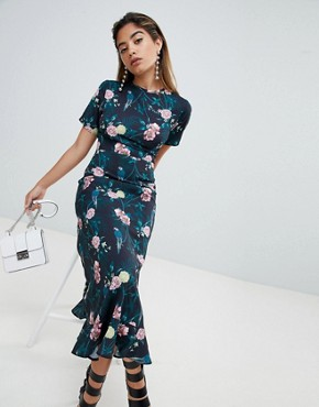 photo Maxi Tea Dress with Tie Open Back in Romantic Floral by Fashion Union, color Parrot - Image 2
