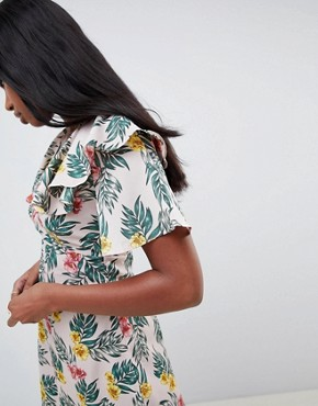 photo Tea Dress with Flutter Sleeves in Tropical Print by Fashion Union, color Tropical - Image 3