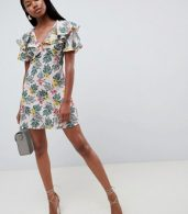 photo Tea Dress with Flutter Sleeves in Tropical Print by Fashion Union, color Tropical - Image 4