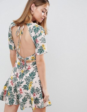 photo Tea Dress with Tie Open Back in Tropical Print by Fashion Union Petite, color Tropical - Image 2