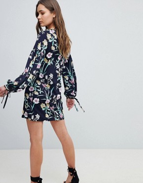 photo Floral Shift Dress with Tie Detail by QED London, color Navy - Image 2