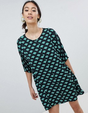 photo Fan Print Smock Dress by Monki, color Palm Print - Image 1