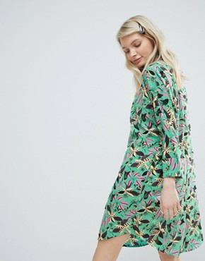 photo Floral Print Dress by Monki, color Green Floral - Image 2