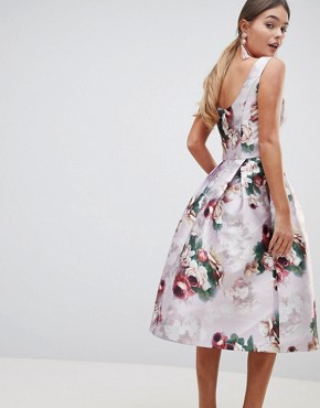 photo Midi Dress in Floral Print by Chi Chi London, color Pink Multi - Image 2