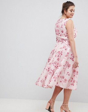 photo Fit and Flare Midi Dress with Seam Detail in Floral Print by Chi Chi London Plus, color Pink Multi - Image 2