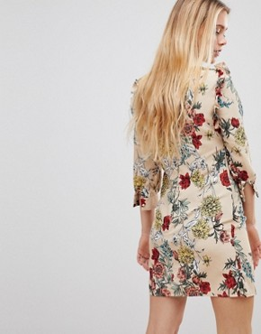 photo Floral Shift Dress by Girls on Film, color Beige Floral Print - Image 2