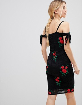 photo Embroidered Bardot Dress by Girls on Film, color Black Red - Image 2