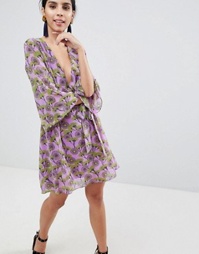 photo Floral Print Dress with V-Front and Kimono Sleeve by Liquorish, color Lilac - Image 1