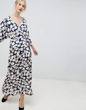 photo Floral Kimono Sleeve Maxi Dress by Liquorish, color Multi - Image 1