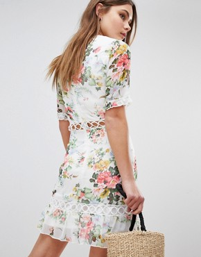 photo Floral Dress with Lattice Inserts by Parisian, color White - Image 2