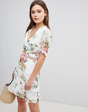 photo Floral Dress with Lattice Inserts by Parisian, color White - Image 1