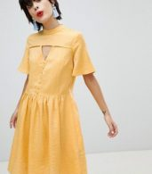 photo Tea Dress with Button Detail by Pieces, color Buff Yellow - Image 1