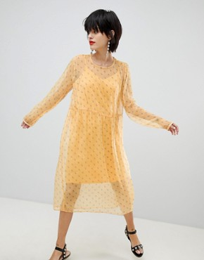 photo Ditsy Floral Dress by Pieces, color Buff Yellow - Image 1