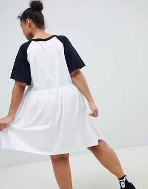 photo Smock Dress with V-Neck and Contrast Sleeves by ASOS DESIGN Curve, color White/Black - Image 2
