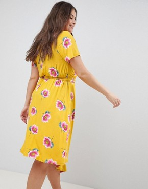 photo Tea Dress with Tie Waist and Asymmetric Hem in Floral Print by ASOS DESIGN Curve, color Multi - Image 2