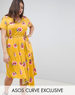 photo Tea Dress with Tie Waist and Asymmetric Hem in Floral Print by ASOS DESIGN Curve, color Multi - Image 1