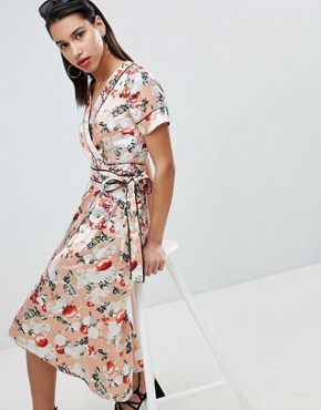photo Floral Satin Kimono Wrap Dress with Piping Detail by Vila, color Peach Blush Aop - Image 1