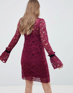 photo Shift Lace Dress by Hope & Ivy, color Burgandy - Image 2