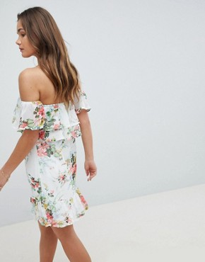 photo Off Shoulder Tiered Dress in Floral Print by Parisian, color White - Image 2