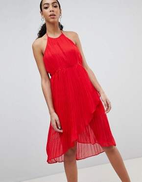 photo Pleated Halterneck Midi Dress by Missguided, color Red - Image 1