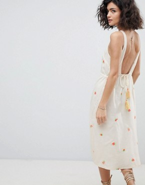 photo Plunge Back Dress with Embroidered Bouquets by Intropia, color Ivory - Image 2