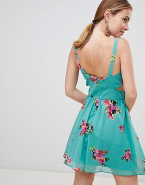 photo Cut Out Mini Dress in Green Floral Print by ASOS DESIGN Petite, color Floral - Image 2