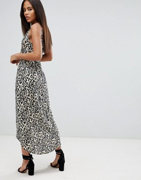 photo Cami Wrap Maxi Dress in Leopard Print by ASOS DESIGN Tall, color Multi - Image 2