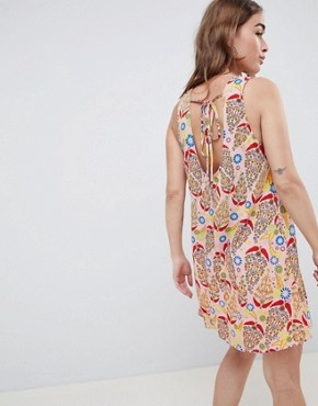 photo Sleeveless Shift Dress with Tie Back in Paisley Print by Glamorous Petite, color Pink Paisley - Image 2