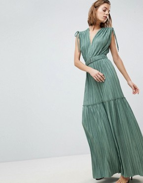 photo Metallic Crinkle Tiered Dress by Sabina Musayev, color Pistachio - Image 1