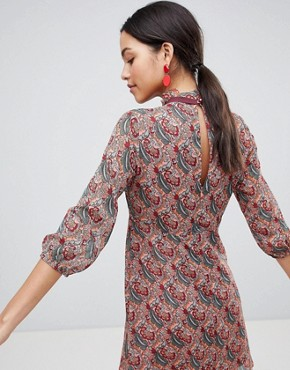 photo Long Sleeve Printed Shift Dress with Bow Detail by Traffic People, color Red - Image 2
