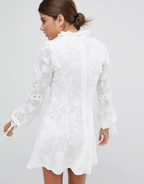 photo High Neck Lace Detail Shift Dress by Missguided, color White - Image 2