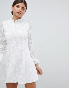 photo High Neck Lace Detail Shift Dress by Missguided, color White - Image 1