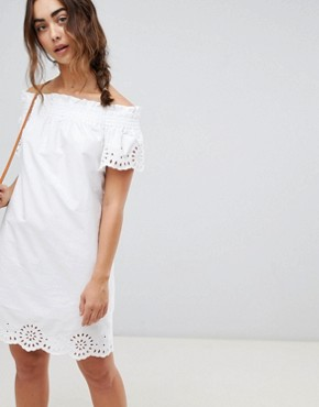 photo Broderie Anglais Ruched Dress by Warehouse, color White - Image 1